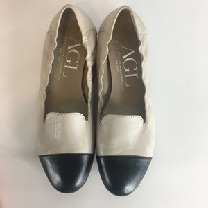 AGL Black And Cream Cap Toe Two-Tone Loafers Flats